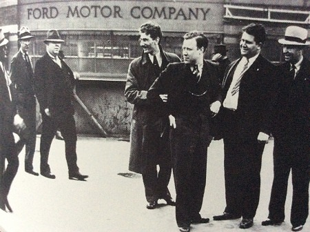 Photo of Reuther leafleting out a Ford plant